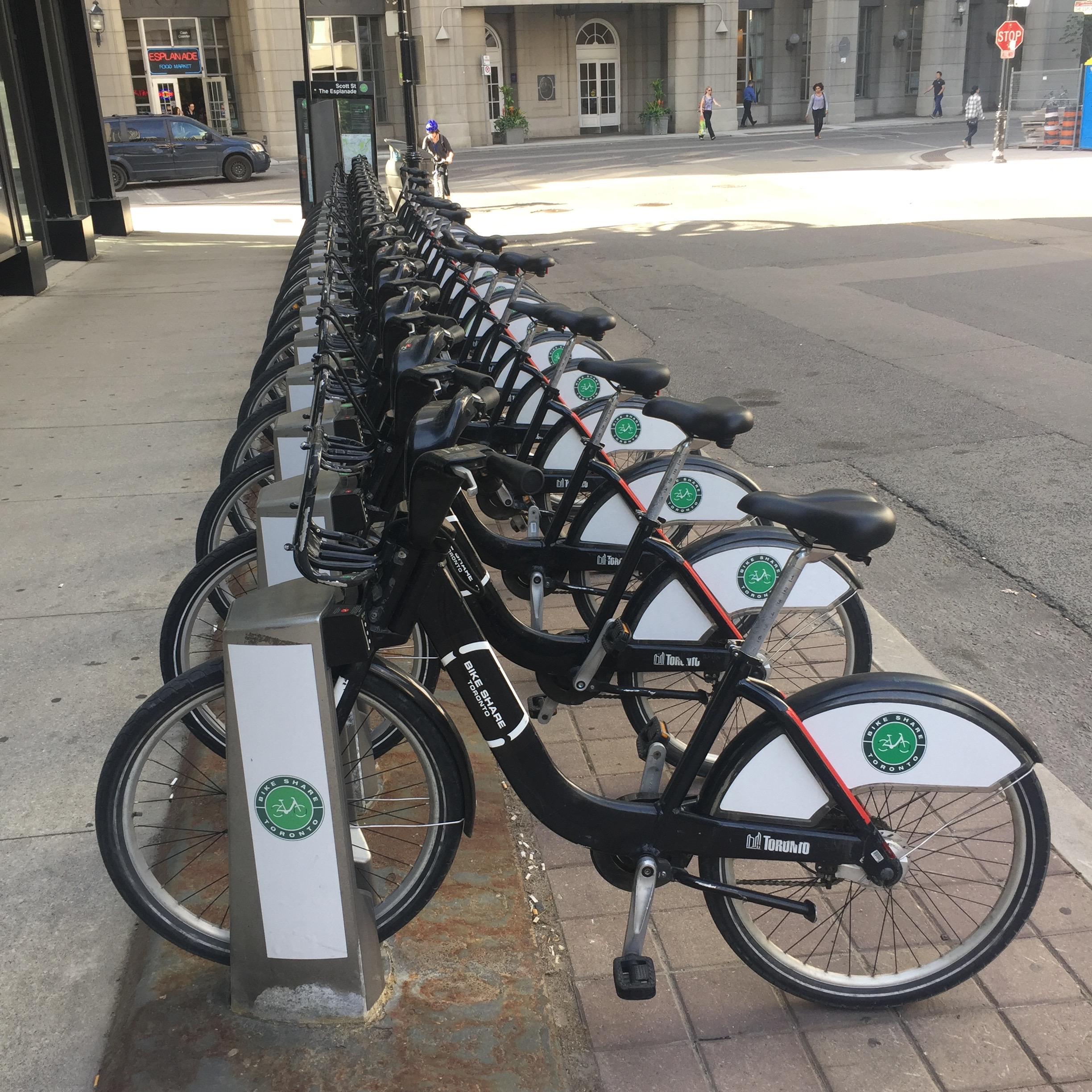 A full Toronto Bike Share dock near The Esplanade.