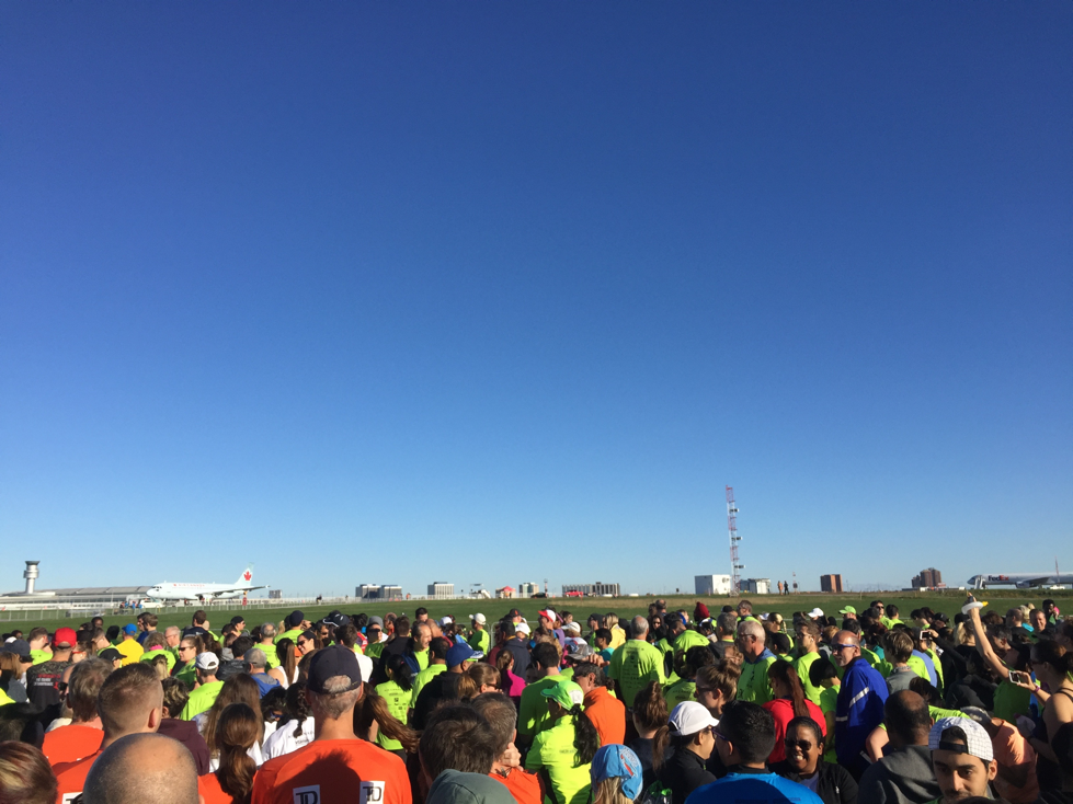 The crowd at the Toronto Pearson Runway Run.
